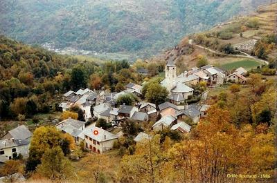 Village d'Arquizat - l'école 1986  photo Odile Rouzaud